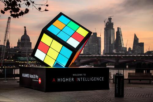 ВИДЕО. Китайцы установили мировой рекорд в парной сборке кубика Рубика