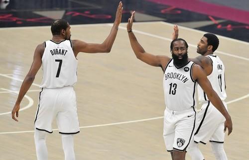 ВІДЕО. Дюрент, Харден і Ірвінг набрали 96 очок, але Бруклін поступився