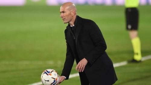Реал планирует уволить Зидана. Но не сейчас
