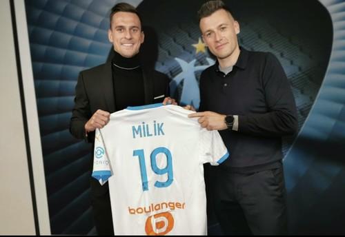 ОФИЦИАЛЬНО. Польский форвард Милик продолжит карьеру во Франции