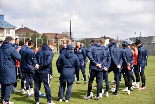 Минус 13 футболистов! Мариуполь сыграет с Шахтером усеченным составом
