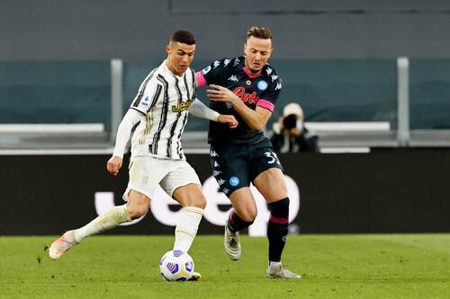 Юве переиграл Наполи и вошел в топ-3, лидер Интер нанес поражение Сассуоло