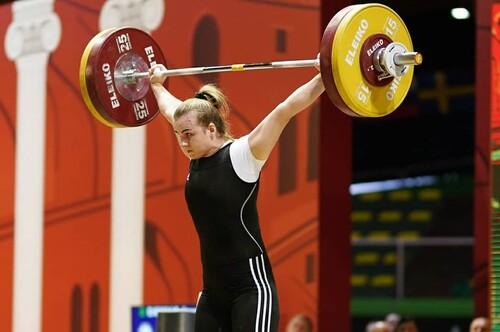 Сильніша за всіх! Деха взяла 3 золота на ЧЄ-2021 з важкої атлетики у Москві