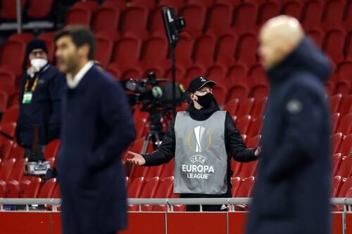 ВИДЕО. Болбой бросил мяч в голову защитнику Ромы в игре Лиги Европы