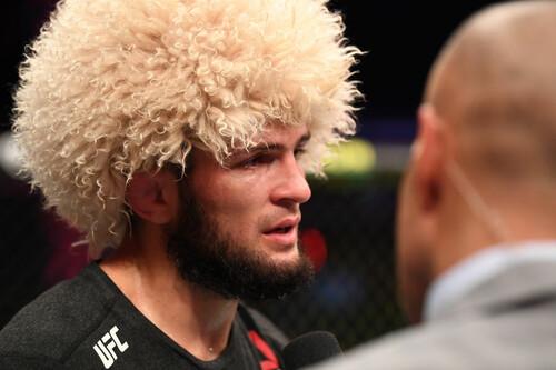 7 чемпіонів UFC, які добровільно відмовилися від титулу