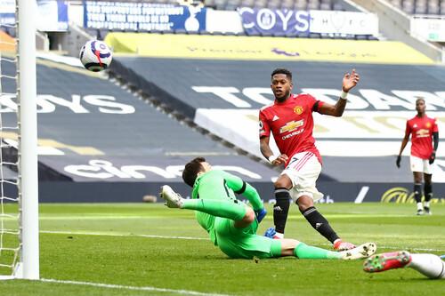 Фред и Кавани решают. Манчестер Юнайтед на выезде переиграл Тоттенхэм