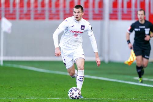 Андерлехт с Михайличенко обыграл Брюгге с Соболем и пробился во второй этап