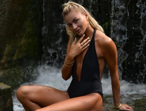 ФОТО. Обворожительная волейболистка Людмила Осадчук позирует в купальнике