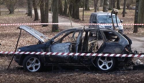 ФОТО. Авто, с которого расстреляли украинского агента, нашли сожженным
