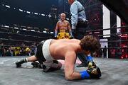 ФОТО. Ганьба на все MMA. Ютуб-блогер нокаутував екс-чемпіона світу