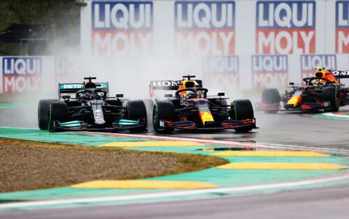 Общий зачет Формулы-1. Хэмилтон опережает Ферстаппена на 1 очко