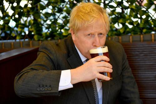 Борис Джонсон против. Британское правительство заблокирует Суперлигу