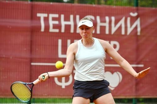 Лопатецкая выиграла первый матч на турнире в Турции