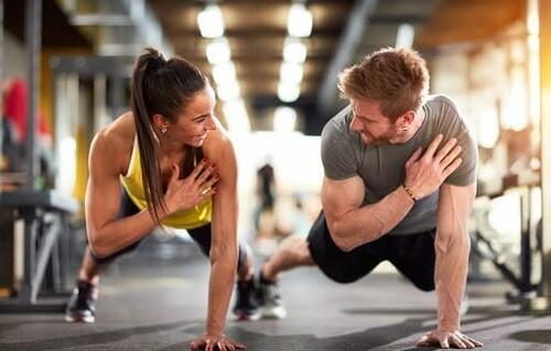 Домашняя программа тренировок — основные упражнения и план занятий