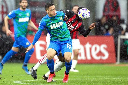 Милан — Сассуоло — 1:2. Видео голов и обзор матча