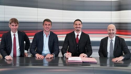 ОФИЦИАЛЬНО. Ибрагимович продлил контракт с Миланом