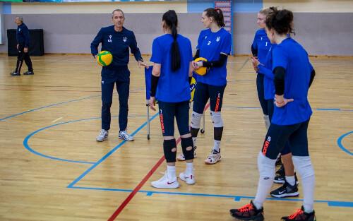 Женская сборная Украины по волейболу ведет подготовку к отбору на Евро-2021