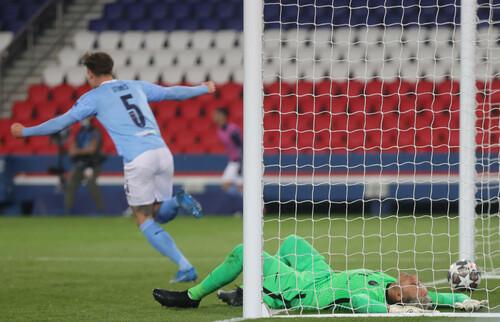 Английские клубы всегда проходили дальше после победы в первом матче
