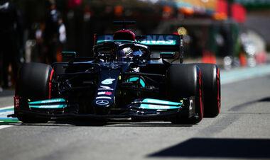 П'ятниця на Гран-прі Португалії. Мерседес і Ред Булл поруч, темп Феррарі