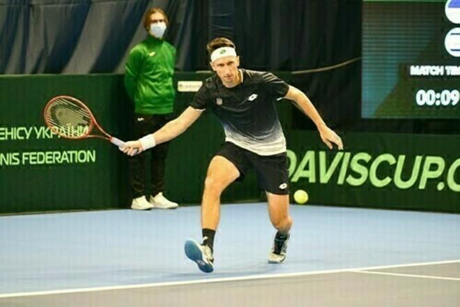 Стаховский стартовал с непростой победы в квалификации турнира в Чехии