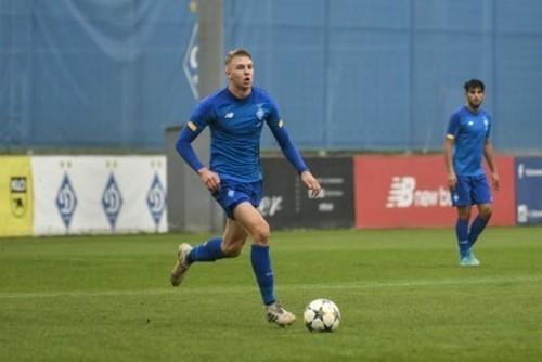 Источник: Десна подписала румынского защитника и хавбека Динамо