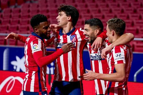 Суарес отметил день рождения голом. Атлетико лидирует, переиграв Валенсию