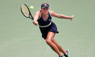 Козлова победно стартовала на турнире во Франции