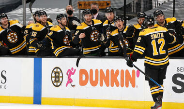 НХЛ. Бостон и Эдмонтон - в плей-офф, поражения Питтсбурга и Чикаго