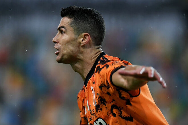 Роналду не хочет продлевать контракт с Ювентусом