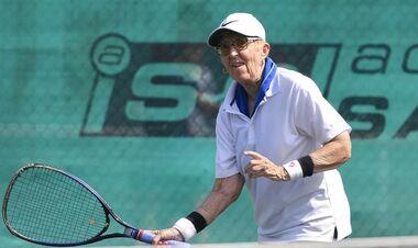 В прекрасной форме! 74-летняя теннисистка сыграла в турнире ITF во Флориде