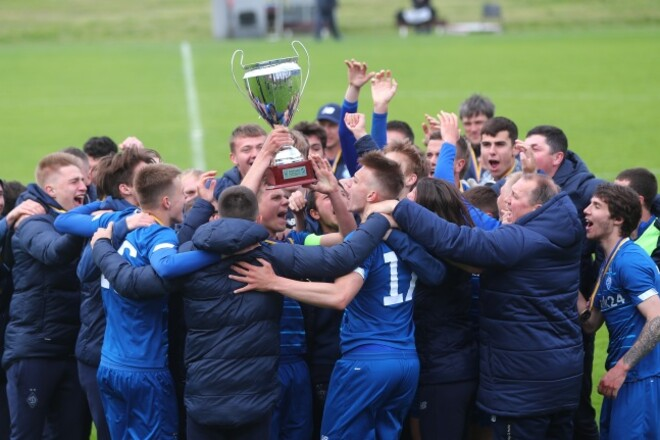 ВИДЕО. Игроки Динамо U-21 празднуют последний титул молодежного чемпионата