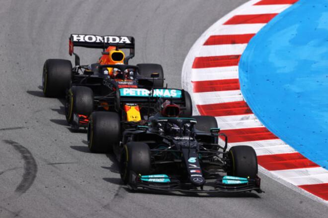Общий зачет Формулы-1. Хэмилтон - лидер, но Ферстаппен рядом