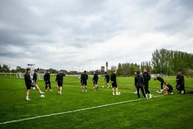 ФОТО. Заря готовится к битве с Динамо в полном составе