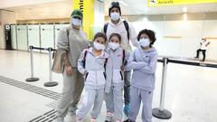 І знову 17 валіз! Дентіньо повернувся до Бразилії з сім'єю та пожитками