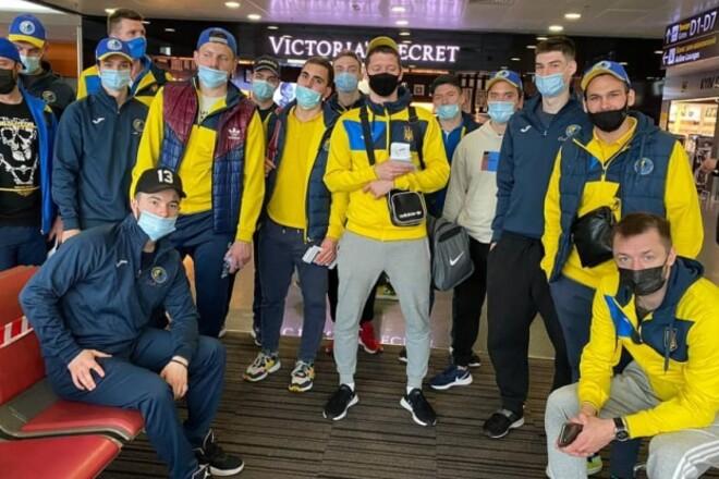 Сборная Украины по хоккею отправилась на турнир в Словению