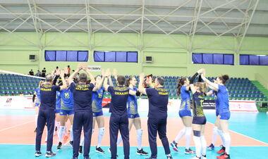 Волейболистки вышли на Евро, Малиновский продолжает феерить, трофей Лестера