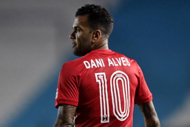 38-летний Дани Алвес вызван в сборную Бразилии