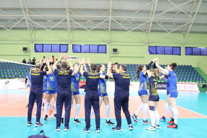 Волейболістки вийшли на Євро, Маліновський продовжує феєрію, трофей Лестера
