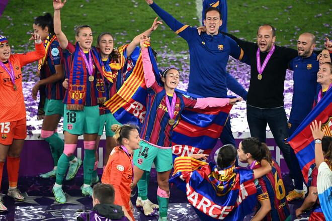 Барселона выиграла финал женской Лиги чемпионов, разгромив Челси