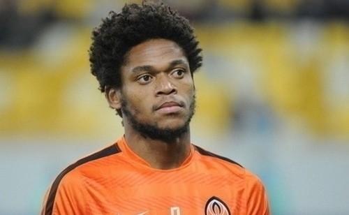 Луис Адриано хотел перейти в Динамо. Предложил свои услуги Луческу