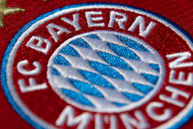 ФОТО. Бавария добавила пятую звезду на эмблему
