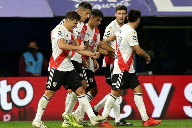 Ривер Плейт выйдет на матч Копа Лидертадорес с полевым игроком в воротах