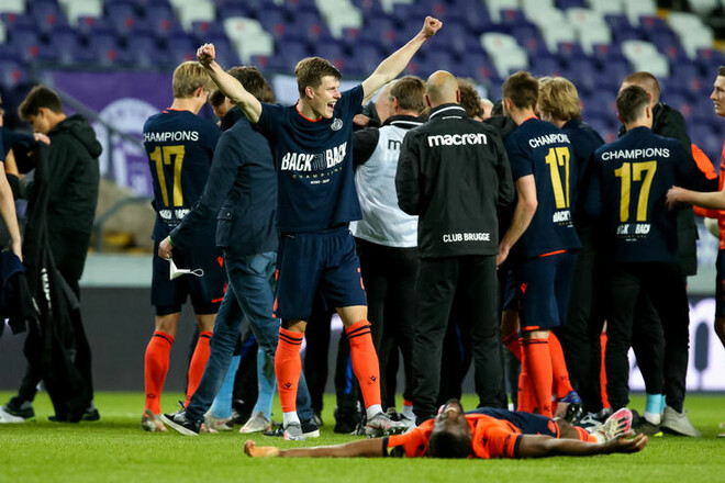Андерлехт — Брюгге — 3:3. Соболь стал чемпионом. Видео голов и обзор матча