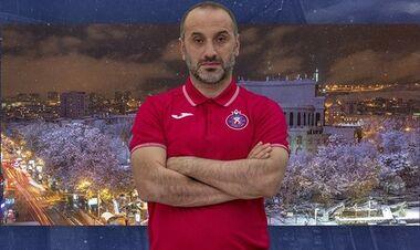 Экс-тренер Львова избил игрока в аэропорту