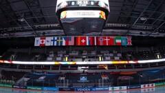 ИИХФ потребовала вернуть флаг Беларуси. В Риге убрали флаги самой ИИХФ