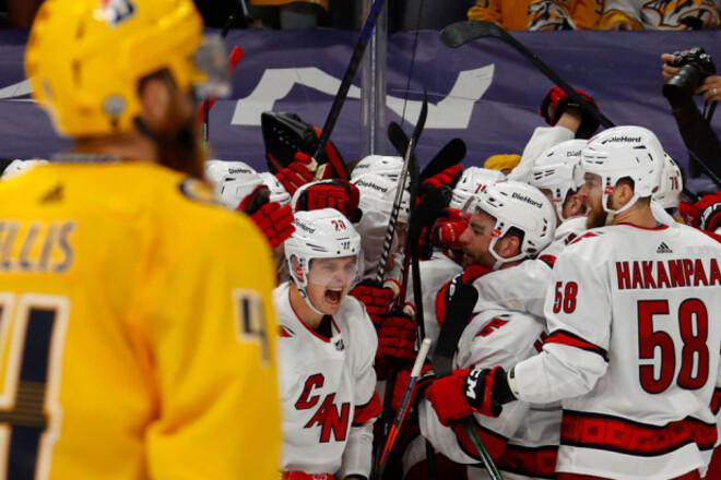 НХЛ. Каролина вышла во второй раунд, Монреаль обыграл Торонто