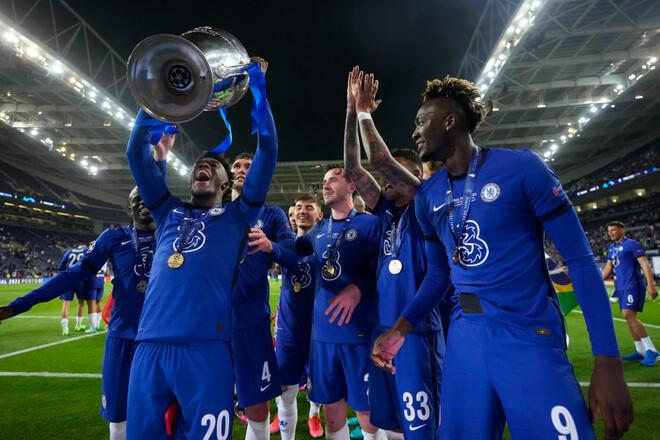 ВИДЕО. Лондон празднует! Церемония награждения Челси трофеем Лиги чемпионов