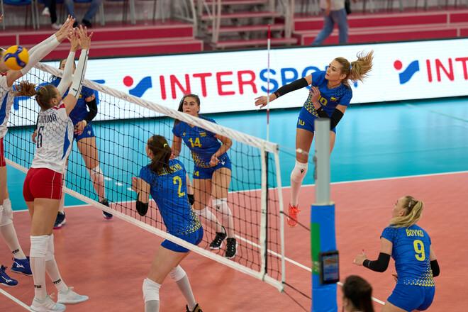 ФОТО. Волевая победа. Как сборная Украины стартовала в Золотой Евролиге