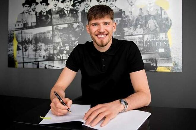 ОФИЦИАЛЬНО: Боруссия Дортмунд подписала вратаря Штутгарта
