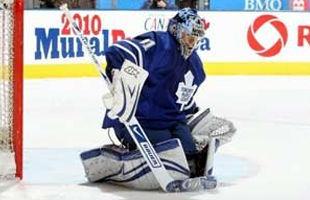 Один из лучших вратарей НХЛ ушел из хоккея